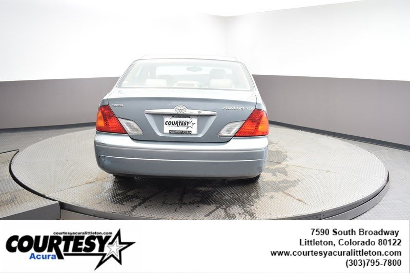 Pre-Owned 2002 Toyota Avalon XL
